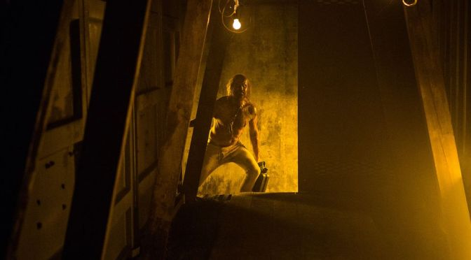 "Ash vs. Evil Dead: ""Fire in the Hole"" almost crashes and burns because of a nonsensical ""romance"""